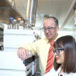 Prof. Wenzhen Li with graduate assistants